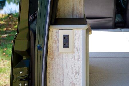 エブリィの内装・装備「コンセント2箇所|シガー&USBソケット」