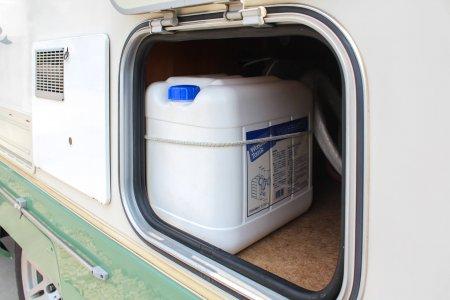 内装・装備:給排水